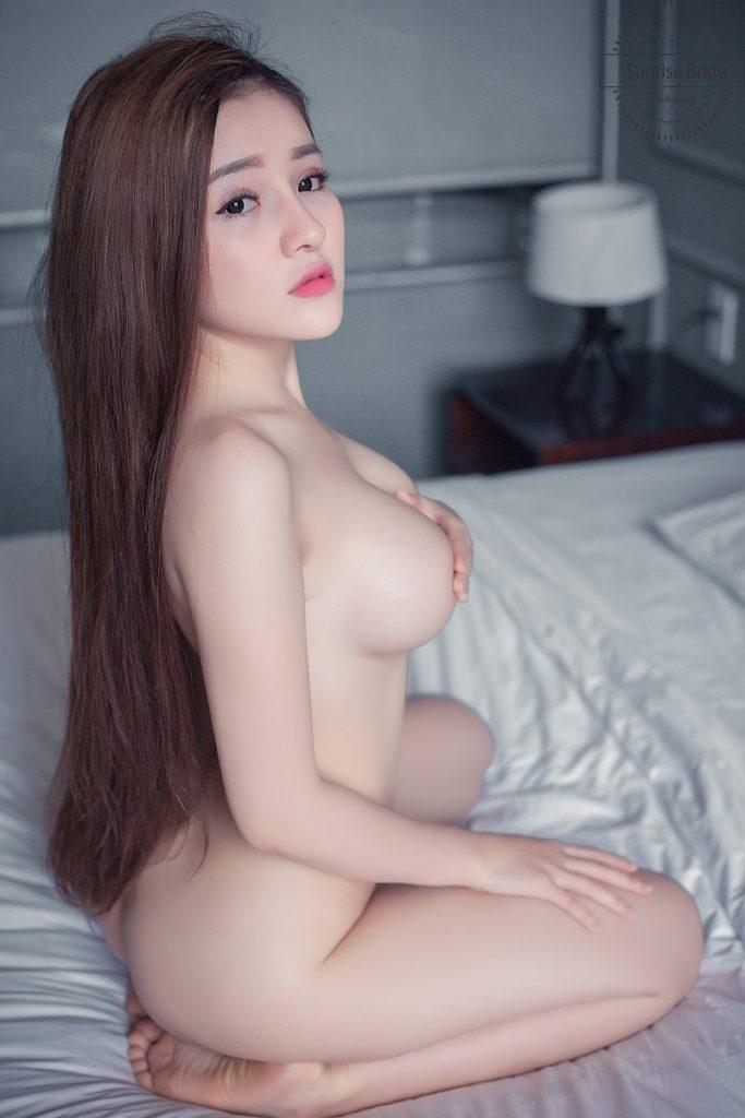 ảnh nude của ngân 98