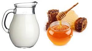 trị mụn mật ong sữa tươi