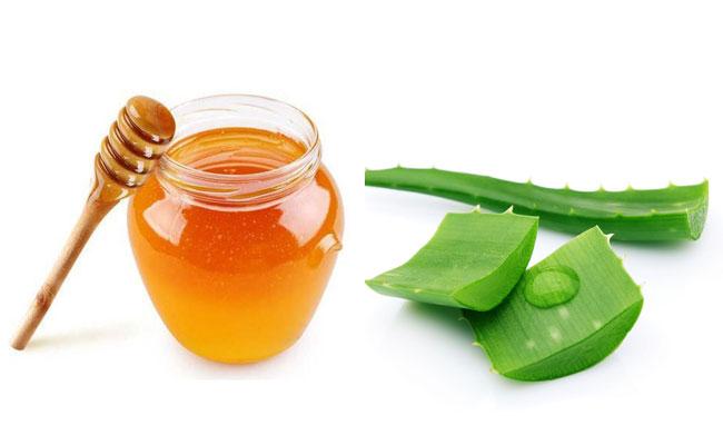 trị mụn với mật ong nha đam